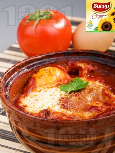 Кюфте от телешка кайма в гювече по тутракански с яйца и сирене - снимка на рецептата